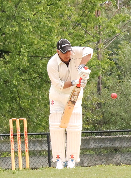 Amjad Khan hit an unbeaten 72, taking his tally of runs to 552 for the season.